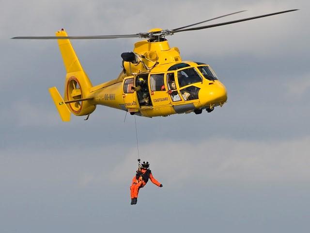 Helikopter vervoert persoon