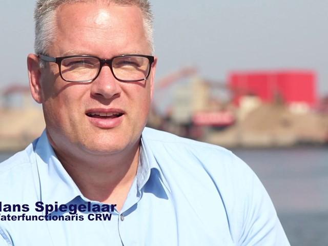 Stilstaandbeeld van Hans Spiegelaar waterfunctionaris CRW