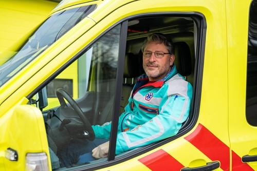 Johannes de Boer in zijn ambulance