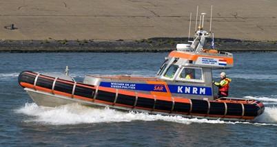 Zijaanzicht reddingsboot van Koninklijke Nederlandse Redding Maatschappij