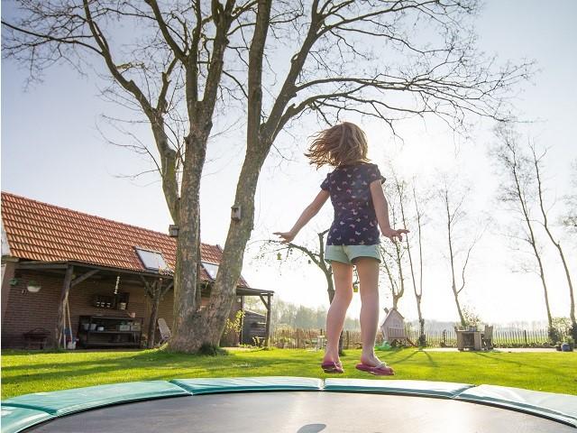 trampoline-2227667_1920klein.jpg