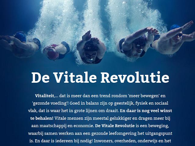 Uitleg van vitale revolutie met aan de bovenkant vijf zwemmende personen onder water en aan de onderkant tekst