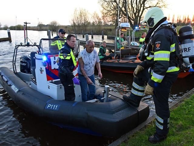 Politieboot met slachtoffer meert aan
